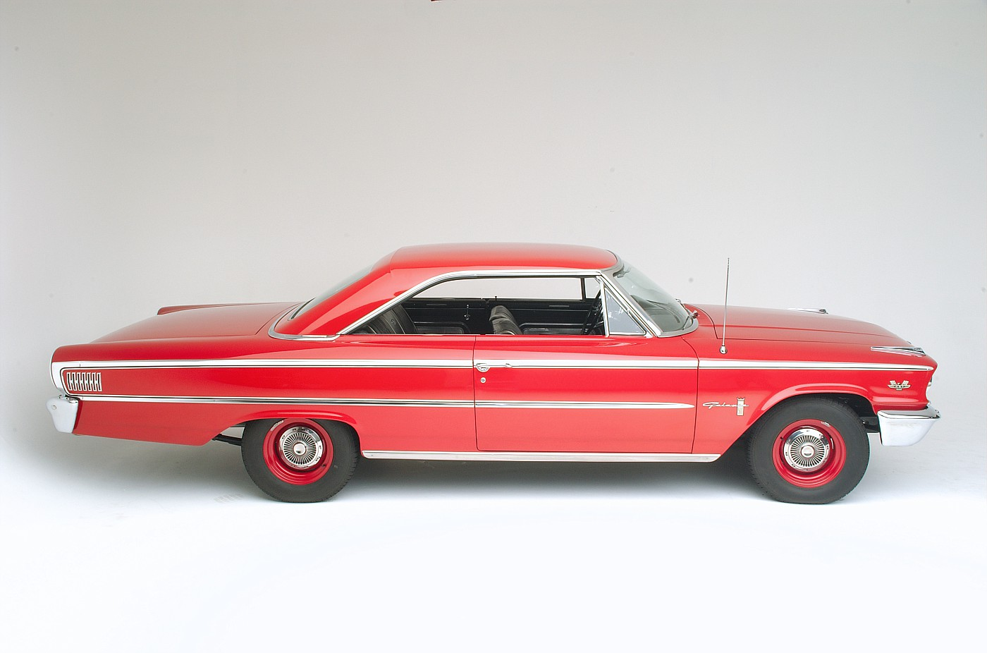 1963 Ford Galaxie 500 XL 427 R-code passenger side profile view