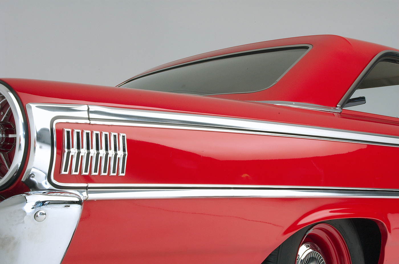 1963 Ford Galaxie 500 XL 427 R-code rear quarter panel and roofline view