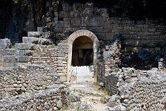 Butrint - wejście do świątyni Asklepiosa (?)
