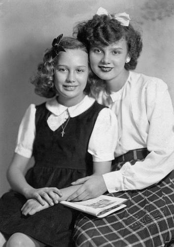 Jean [Flynn] Mathis with younger sister Gloria