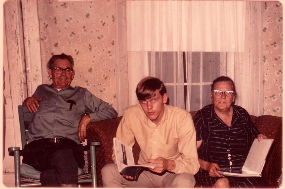 5 - Wiley, Jackie, and Ernie (LAWSON) Lloyd. (Updated: 11/04/2011)