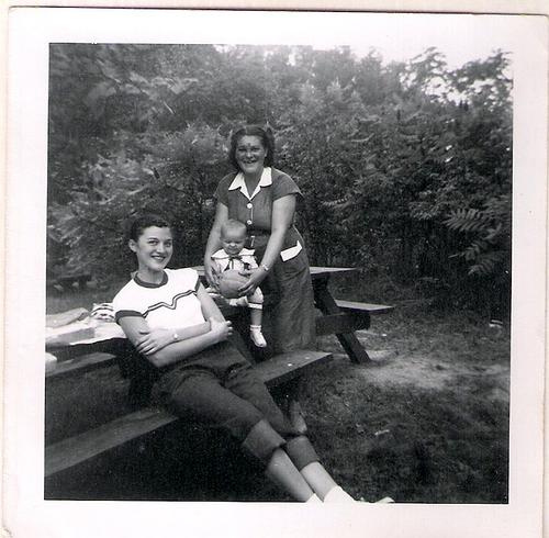 45-Mamaw Aree, Mom and Irene
