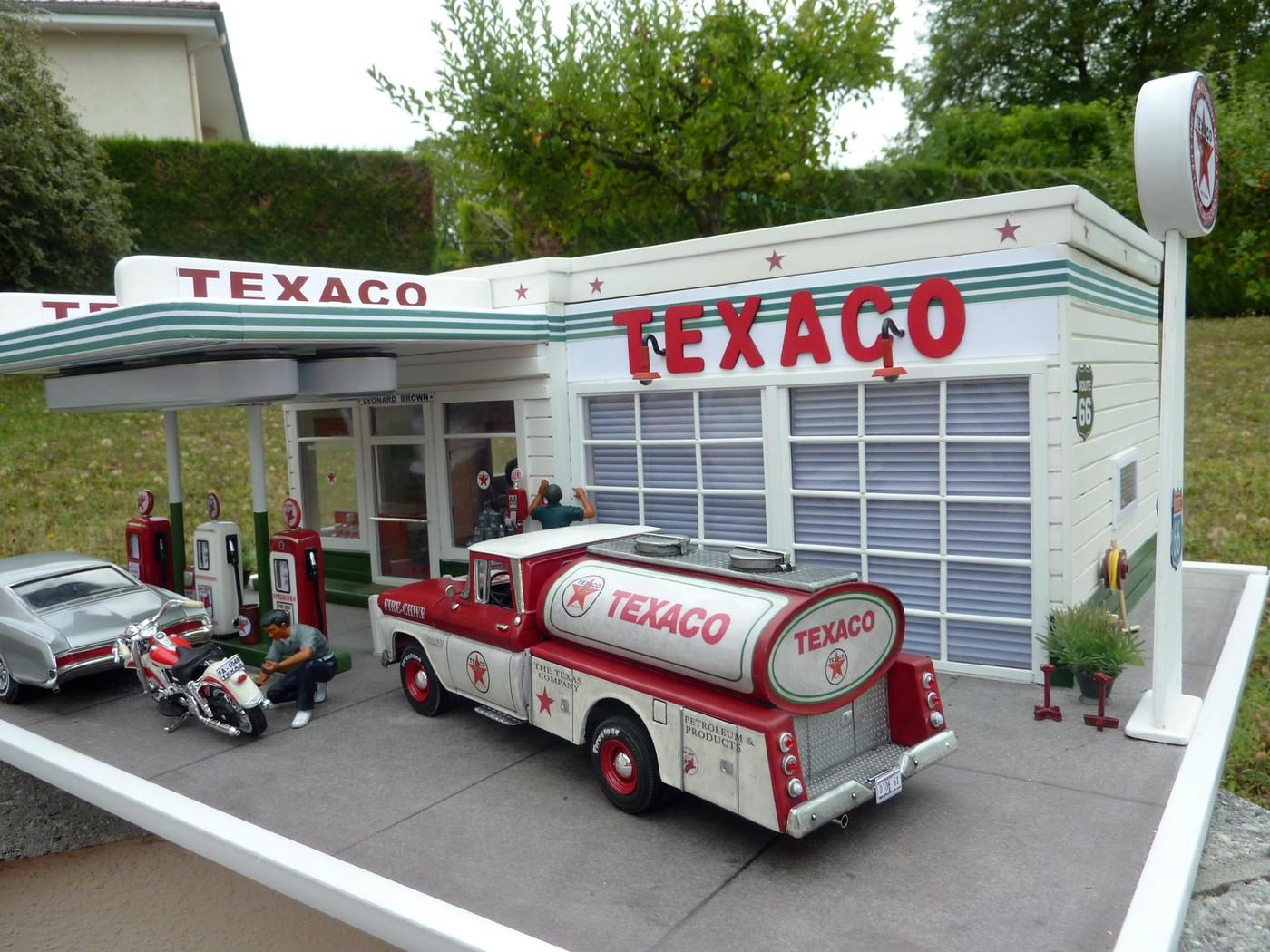 Chevy pickup 60 citerne texaco terminé - Page 3 Photo15-vi