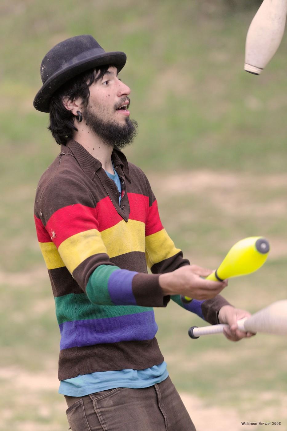 Poki Juggling
