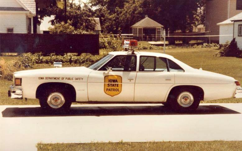 The Car Book >> IA- Iowa State Patrol 1977 Pontiac LeMans