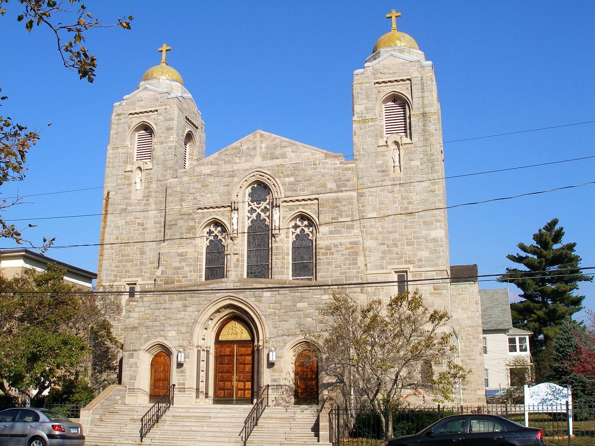 BRIDGEPORT - HOLY ROSARY CATHOLIC CHURCH - 01.jpg