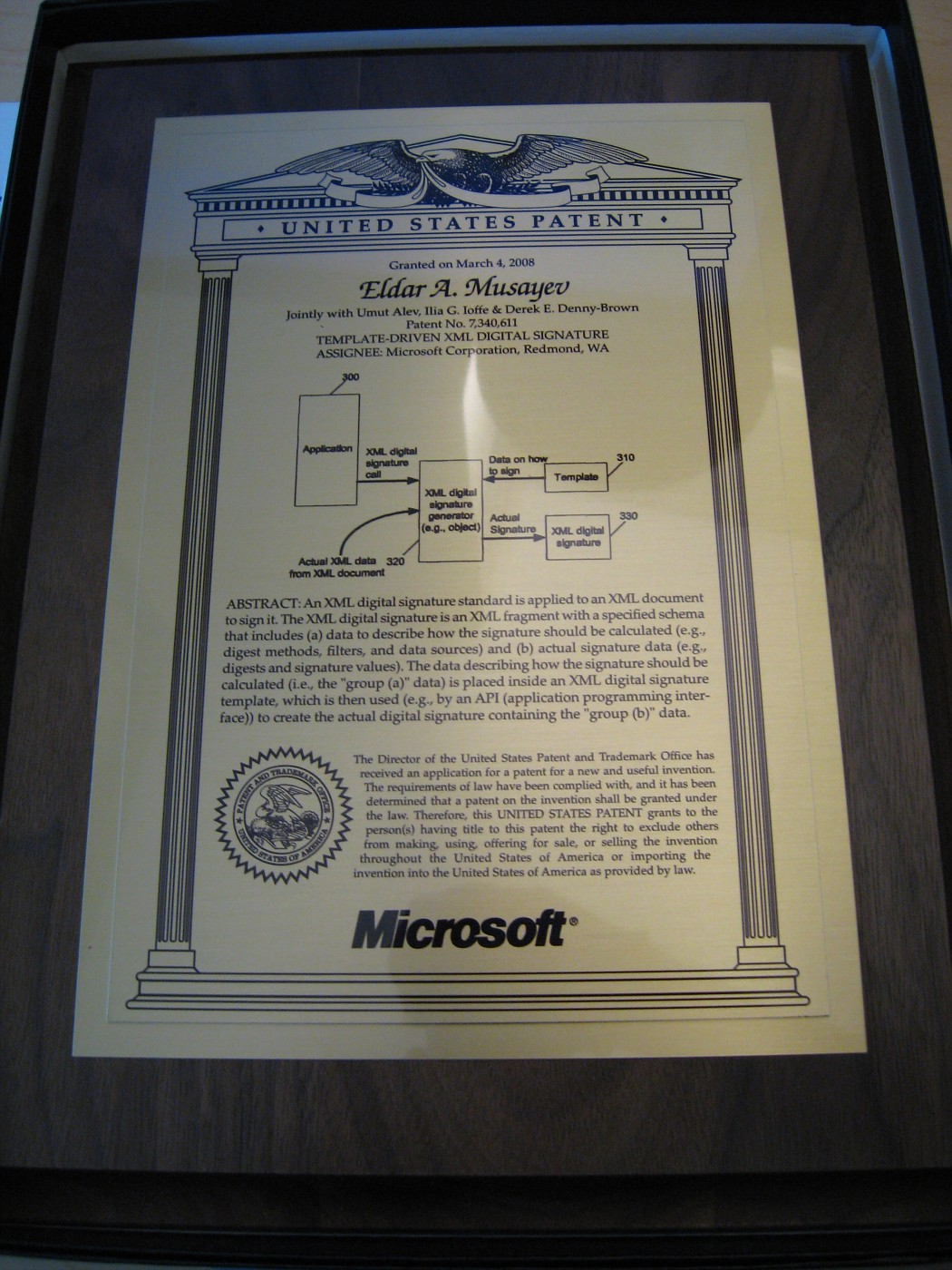 Template-driven XML signatures plaque